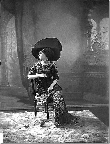 la estraña dama