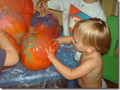 Pumpkin Painting on High Street 004