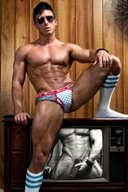 Hot Muscle Men in Underwear - What Color is Beautiful? Gallery 9