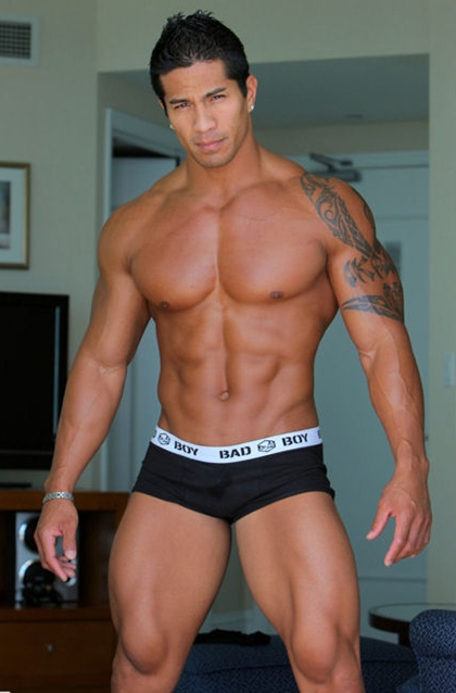 Exotic Beauty, Kim Cebú - Rock Hard Abs Hunk - Gallery 2
