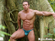 Solid muscleman - Vinnie de Angelo - Flexing in the sun!