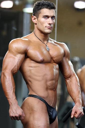 Sexy Muscle Man: Male Bodybuilder Models - Posing