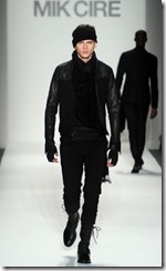 Mik Cire Runway Photos Fall 2011 15
