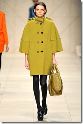 Burberry Prorsum Fall 2011 Ready-To-Wear Runway Photos 3