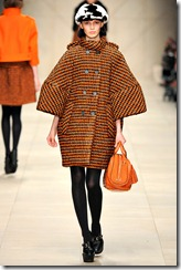 Burberry Prorsum Fall 2011 Ready-To-Wear Runway Photos 19