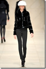 Burberry Prorsum Fall 2011 Ready-To-Wear Runway Photos 38