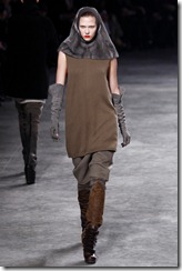 Rick Owens RTW Fall 2011 Runway Photos 15