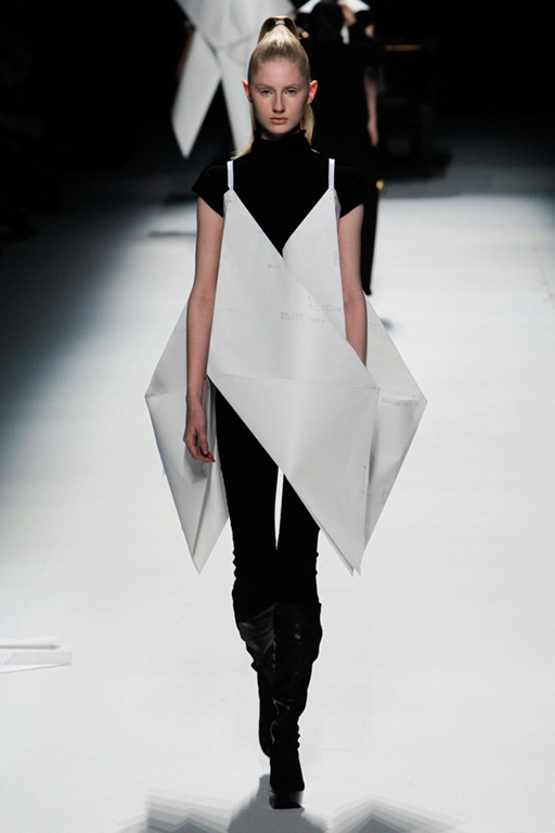 Wearable Trends: Issey Miyake Ready-To-Wear Fall 2011 ...