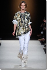 Isabel Marant Ready-To-Wear Fall 2011 Runway Photos 14