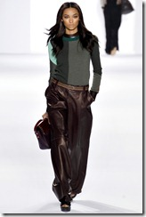 Chloé Ready-To-Wear Fall 2011 Runway Photos 4