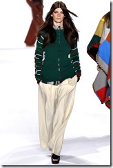 Chloé Ready-To-Wear Fall 2011 Runway Photos 16