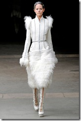 Alexander McQueen RTW Fall 2011 Runway Photos 1