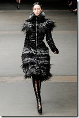 Alexander McQueen RTW Fall 2011 Runway Photos 12