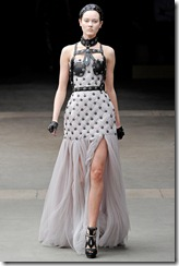 Alexander McQueen RTW Fall 2011 Runway Photos 30