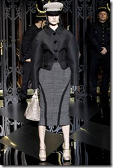 Louis Vuitton Ready-To-Wear Fall 2011 13