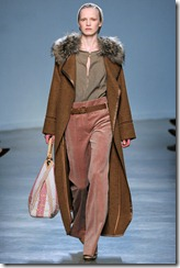 Vanessa Bruno Ready-To-Wear Fall 2011 Runway Photo 24