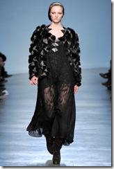 Vanessa Bruno Ready-To-Wear Fall 2011 Runway Photo 33