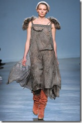 Vanessa Bruno Ready-To-Wear Fall 2011 Runway Photo 35