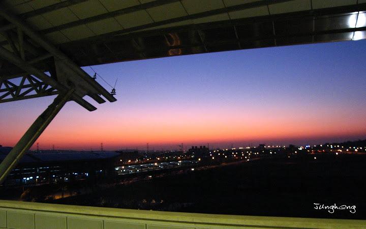 台中高鐵站外的夕陽