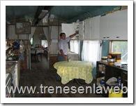 foto4:parte del primer coche que corresponde a la cocina al fondo se aprecia lo que es el comedor y el living
