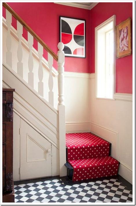 lépcső pöttyös