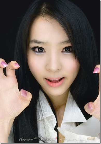asian_girls_love_claws_01