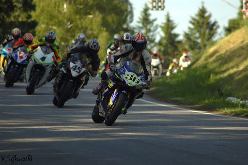 Superbiky po startu - Drazdak #36