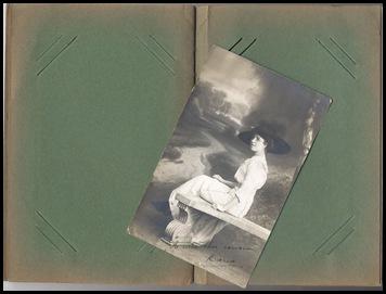 Eindelijk een leeg album voor mijn verzameling fotokaarten!