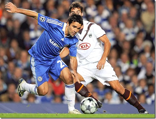 O craque Deco em ação pelo Chelsea (Crédito: Divulgação)