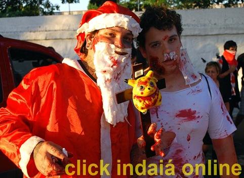Nem Papai Noel e Pikachu escaparam dos zumbis (Crédito: Maurício Branzani)
