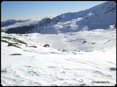 Lacul Bucura(2040m), cel mai mare lac glaciar din Romania - 8,90 ha