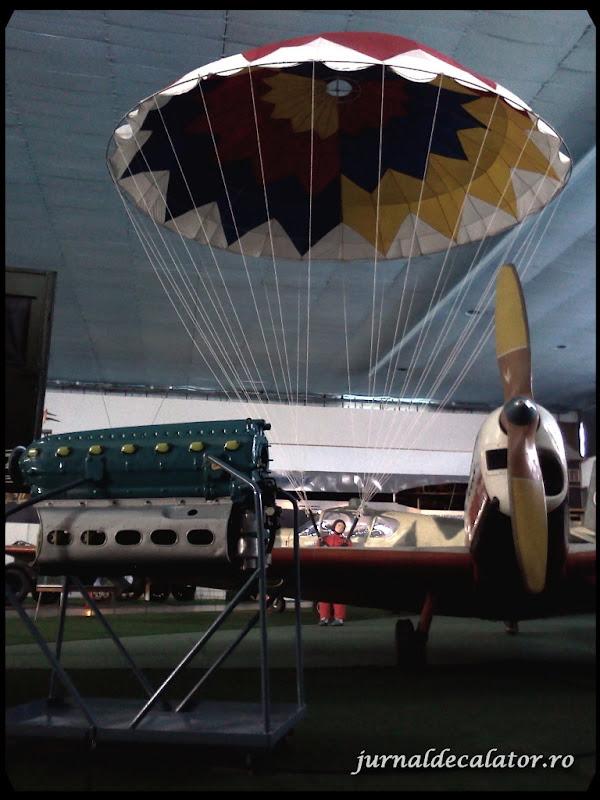un parasutist din al II-lea razboi mondial a aterizat.jpg