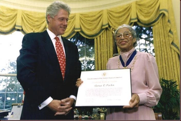 Rosa_Parks_y_Bill_Clinton