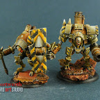 Warmachine Mercenaries Warjacks Mule and Vanguard.jpg