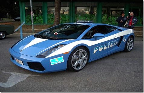 800px-Lamborghini_Polizia
