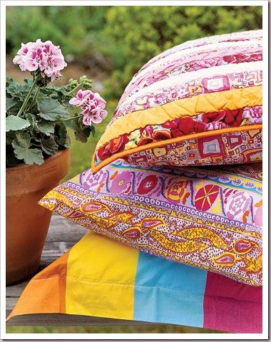 rainbow-pillows-de