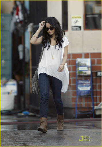 vanessa hudgens photo bed