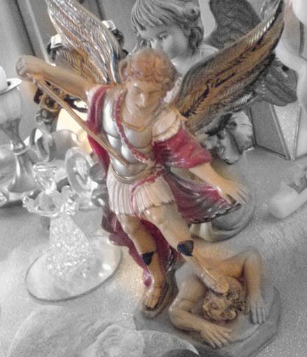 angel fighting