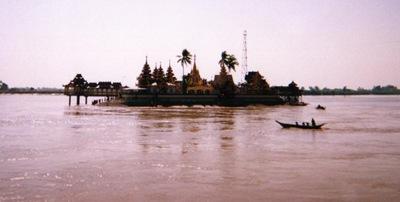 myanmar_bago_island_temple