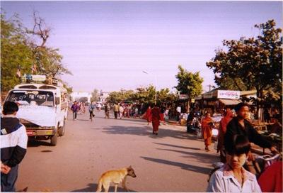 myanmar_mandalay_street_life