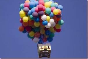 Casa-Real-Up-Altas-Aventuras-Balões-Voando
