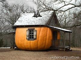 PumpkinHouseartistunkownHalloweenHappeningsBlog