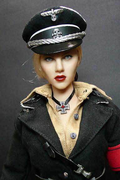 Hot Toys Silken Floss (Scarlett Johansson)