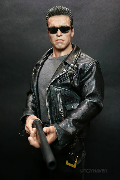 hot toys T2 T-800