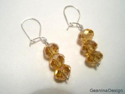 Cercei din cristale Swarovski cu incheietoare din argint, realizat GeaninaDising.