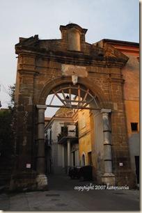 Sessa Aurunca city gate_wm