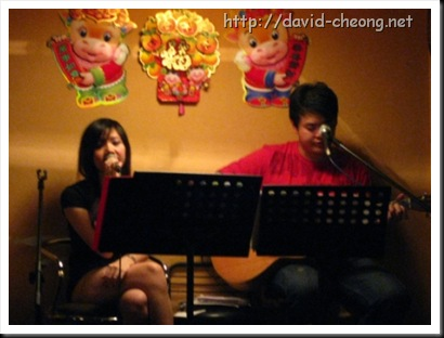 Singer at Kaki Corner
