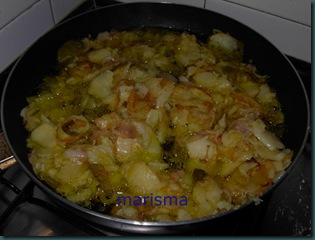 tortilla de patata con cebolla morada-3