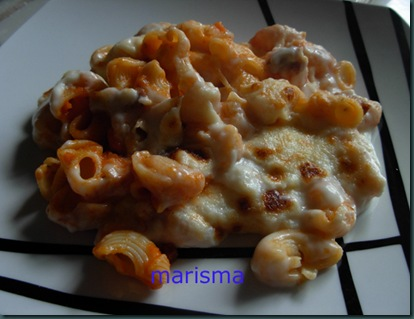 caracolas con tomate y bechamel,racion