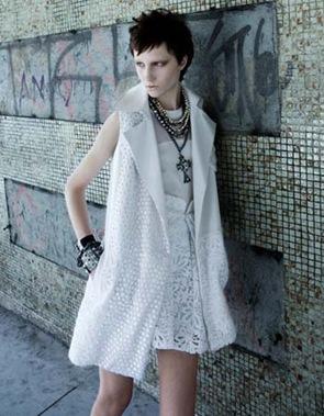 272-moda-verao-2011-tendencia-branco-punk-light-melhor-da-estacao-colete